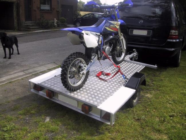 moto racing remorque 350 kg. Black Bedroom Furniture Sets. Home Design Ideas