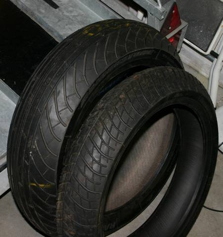 moto racing a vendre pneus pluie bridgestone. Black Bedroom Furniture Sets. Home Design Ideas