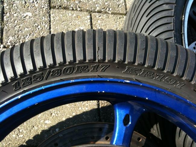 moto racing reserve vends train pneus pluie 125 190 dunlop moto2. Black Bedroom Furniture Sets. Home Design Ideas