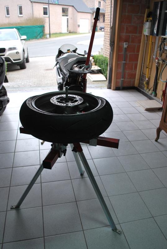 fabriquer demonte pneu moto