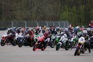 Cliquer pour agrandir la photo : Excellent départ de Christian Charlier en ERT (Endurance Racing Twin)