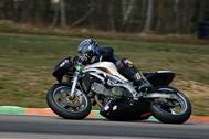 Cliquer pour agrandir la photo : Olivier Dethine très régulier ce weekend là en ERT (Endurance Racing Twin)