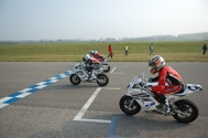 Cliquer pour agrandir la photo : Excellent départ de leur 2ième course pour Jules Danilo