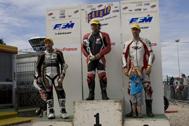 Cliquer pour agrandir la photo : Podium Monobike 650 Race 2